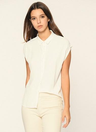 Loves You Kısa Kol Viskon Crep Bluz Beyaz